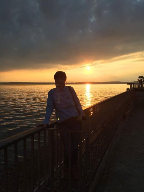 Barbara genießt den Sonnenuntergang